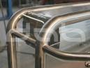 konstrukcja-ze-stali-nierdzewnej-i-plexi-2-copy